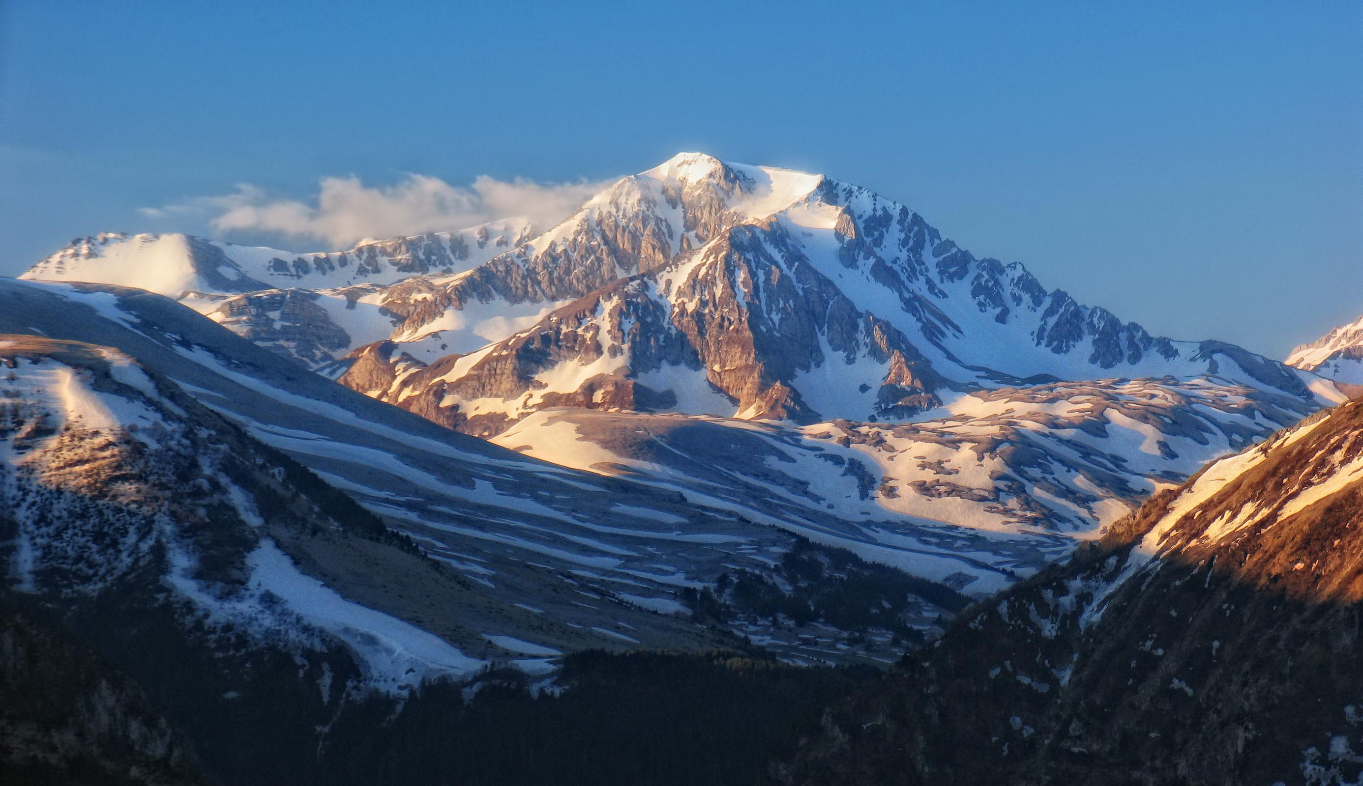 утренняя гора Оштен