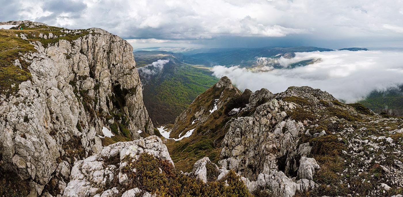 Гора Чатырдаг в Крыму