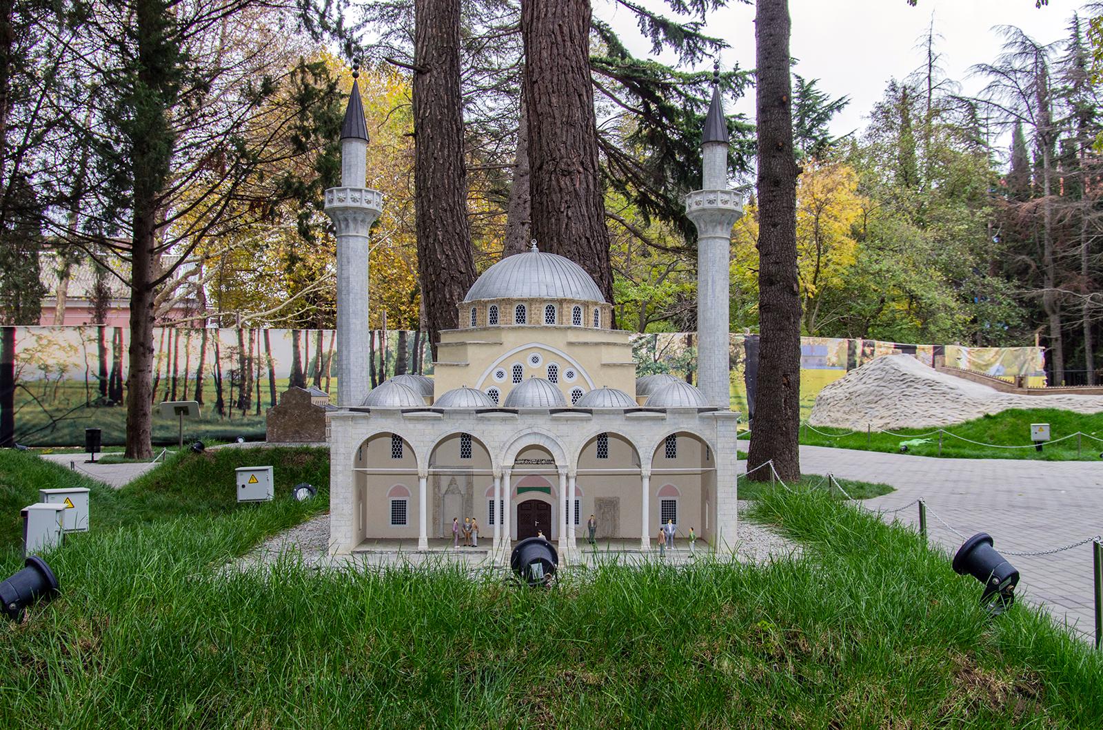 """Алушта, парк """"Крым в миниатюре"""""""