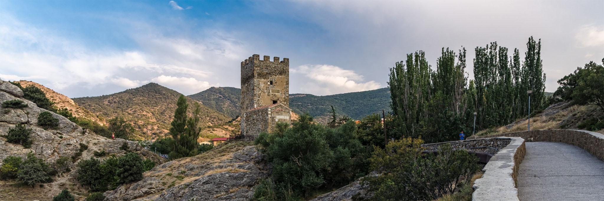 Отдых в Судаке, панорама генуэской крепости