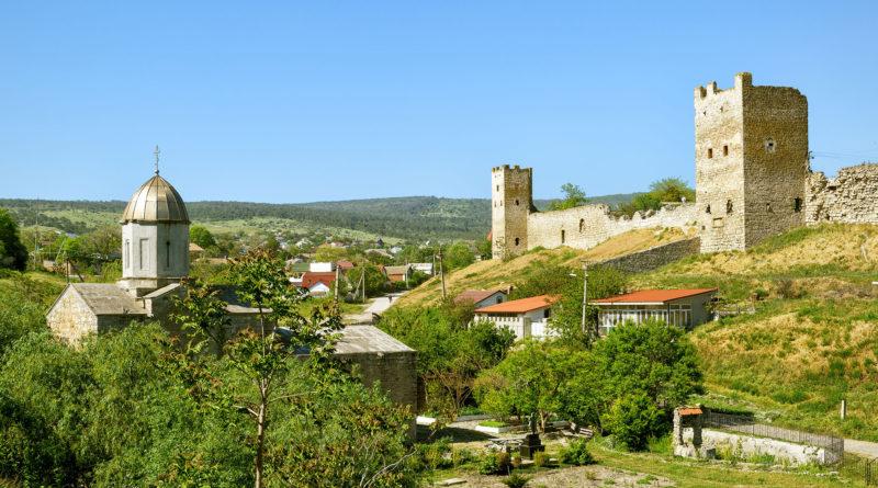 Крепость Кафа в Крыму