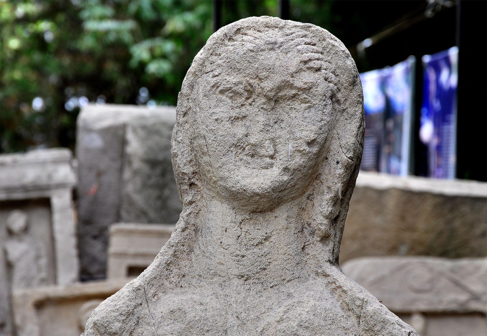 Музей Горгиппия в Анапе, статуя женщины