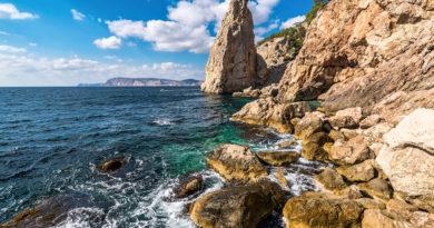 Мыс Айя в Крыму, у подножия