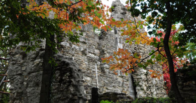 Стены Лооского храма, Сочи