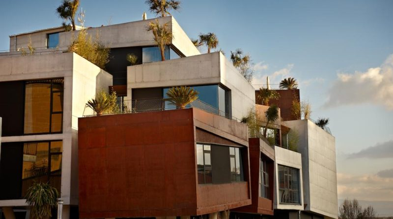 Гармония архитектурного кубизма отеля Viura и природы Испании